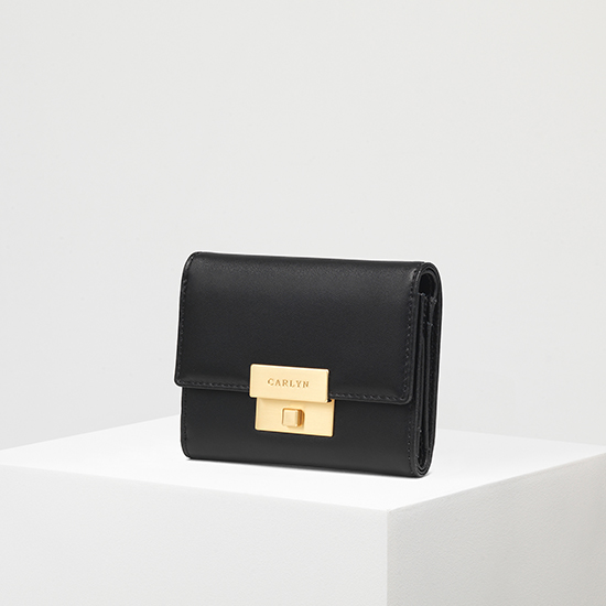 Carlyn Madison Wallet W79362010(B)